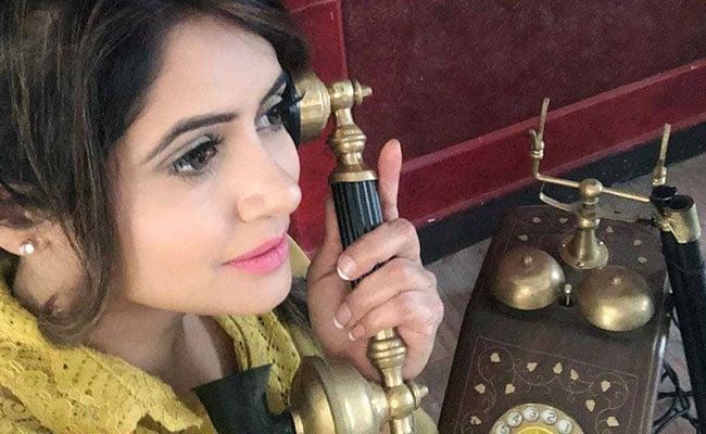 Miss Pooja को आया रॉन्ग नंबर से  कॉल, शख्स ने पूछा- की हाल है सिमरन और फिर हुआ कुछ ऐसा...