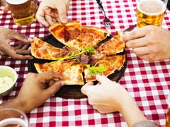 Got The 'Drunchies'? This Is Why You Crave Pizza While Drinking