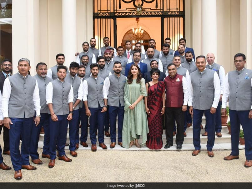 What is Anushka Sharma doing in Team India photo? Fans not impressed