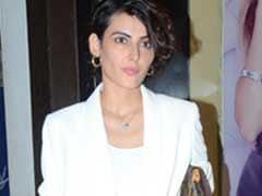 Mandana Karimi's Short Suit Is All Kinds Of Monsoon Fashion Goals