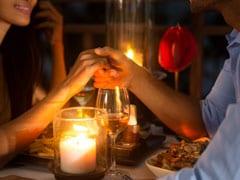 इस देश में शादी से पहले 'दोस्त' नहीं खा सकते बाहर एक साथ खाना, LGBT पर भी सख्त रोक