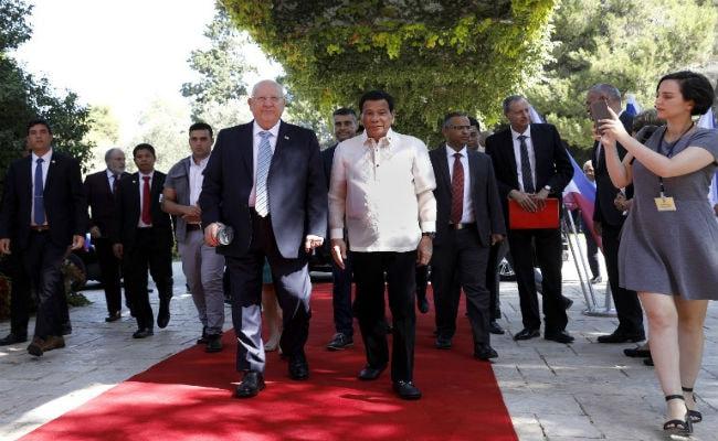 Israeli President Lectures Philippine's Rodrigo Duterte On 'Devil' Hitler