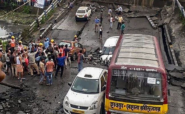 बीते 3 साल में कोलकाता में दूसरा पुल हादसा, 10 बातें...