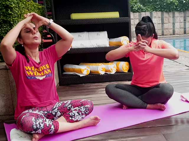 Video : Tone Your Face With Yoga