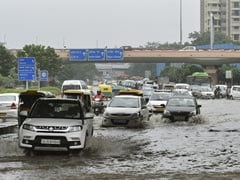 Heavy Rain During Evening Rush Hour In Delhi, Dip In Temperature
