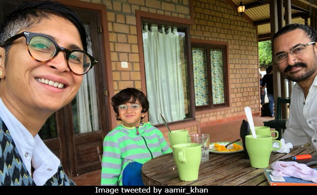 Inside Aamir Khan's Fam-Jam With Qayamat Se Qayamat Tak Director Mansoor Khan. Such Cute Pics Of Azad And Kiran Rao