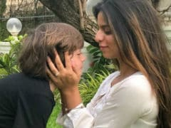 Raksha Bandhan 2018: Cute As Suhana And AbRam Are, It's Shah Rukh Khan's Message That Wins Rakhi