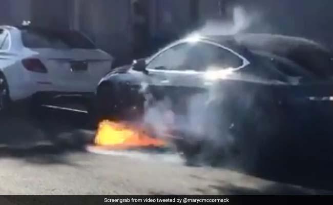 VIDEO: एक्ट्रेस के पति की कार में लगी आग, जानिए क्या हुआ फिर