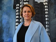 First Female Lloyd's Chief Executive Stands Down