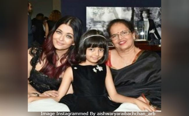 Oh, Nothing. Just Some (More) Pics Of Aishwarya Rai Bachchan And Aaradhya From Paris
