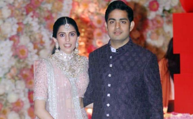 Akash Ambani Shloka Mehta Pre Engagement Pics Akash Ambani Shloka