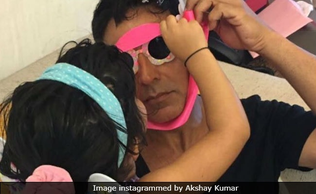 Father's Day: Akshay Kumar Needs Help In Arranging Daughter Nitara's Gift. Any Suggestions?