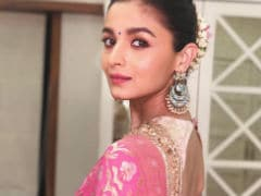 Alia Bhatt's Pink And Gold <I>Saree</i> Look A-Okayed By Neetu Kapoor With Just An Emoji