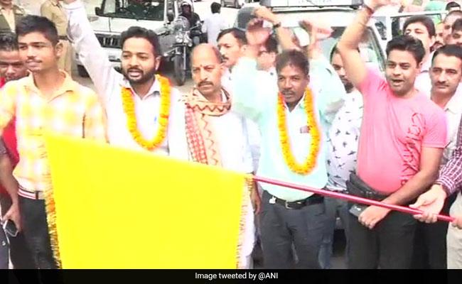 Amarnath Yatra 2018: कड़ी सुरक्षा के बीच अमरनाथ श्रद्धालुओं का पहला जत्था जम्मू से रवाना