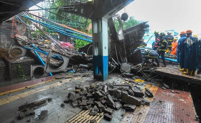 Minutes Before Andheri Bridge Fell Onto Tracks, 3 Packed Trains Sped By