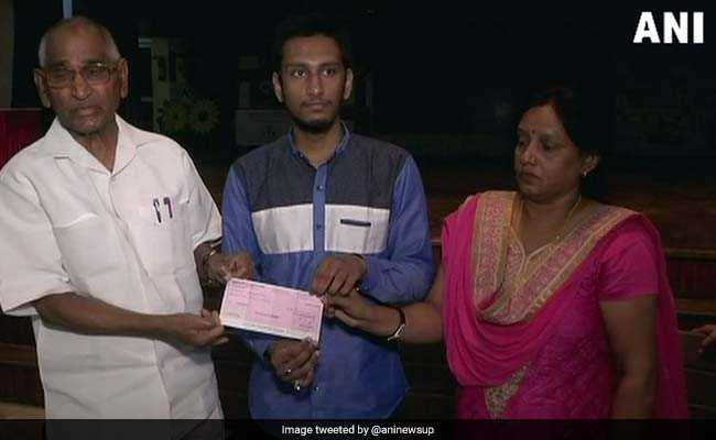 Lucknow Boy Who Lost Father Before Maths Board Exam Scores 100, Seeks Government's Help