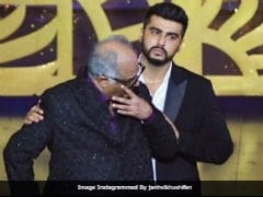 IIFA Awards 2018: Boney Kapoor Gets Emotional On Receiving Sridevi's Best Actress Prize, Son Arjun Stands By Him
