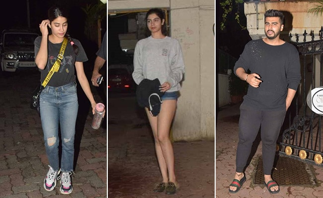 Janhvi And Khushi Join Arjun Kapoor For Midnight Birthday Celebrations. Pics Here