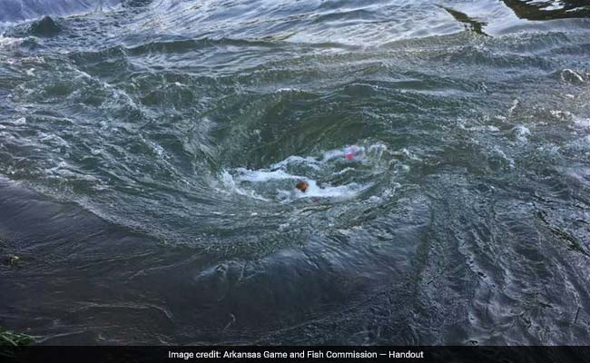 Man dies after an underwater sinkhole creates a dangerous whirlpool