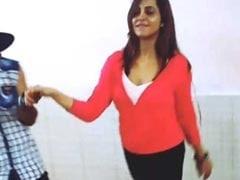 'अस्सलाम-ए-इश्कुम...' पर अर्शी खान का बिंदास डांस, ईद पर करने जा रही हैं धमाका