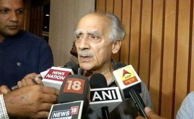 BJP सरकार पर बरसे अरुण शौरी, सर्जिकल स्ट्राइक को बताया 'फ़र्जिकल'