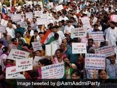 धरने पर दिल्ली सरकार : AAP का विरोध-प्रदर्शन खत्म, संसद मार्ग से लौटे कार्यकर्ता