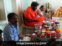 In Karnataka, BJP's B Sriramulu Begins Results Day With Big <i>Puja</i> Session