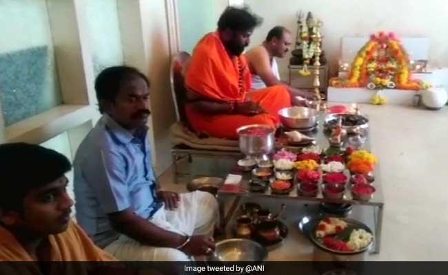In Karnataka, BJP's B Sriramulu Begins Results Day With Big Puja Session