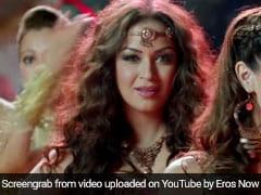 नागिन डांस पर 5 ऐसे गाने, जिसे सुनकर खुद को रोक नहीं पाएंगे आप... देखें Video
