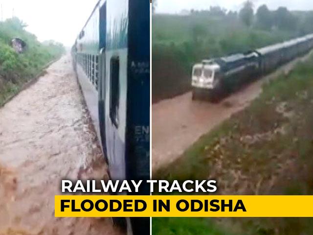 Video : Watch: Train Gets Stuck On Waterlogged Rail Track In Odisha