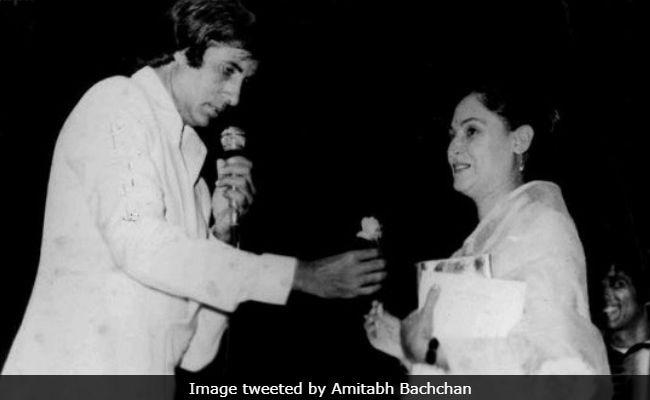 Amitabh Bachchan's Midnight Call To Jaya Bachchan On Their 45th Anniversary Is All Things Romantic