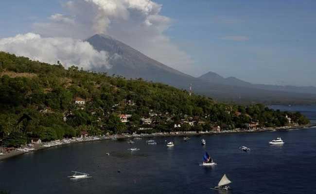 Bali Volcano Erupts, Throws Orange Lava 2,000 Metres High In Sky