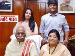 पूर्व केंद्रीय मंत्री बंडारू दत्तात्रेय के 21 वर्षीय बेटे की हार्ट अटैक से मौत