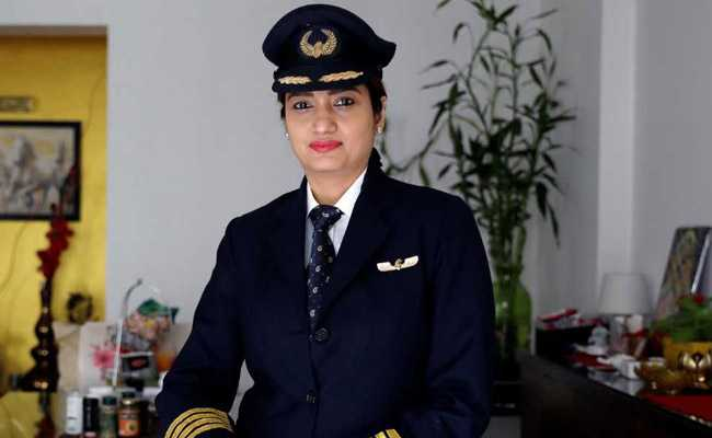 how to become a commercial pilot in india after 12