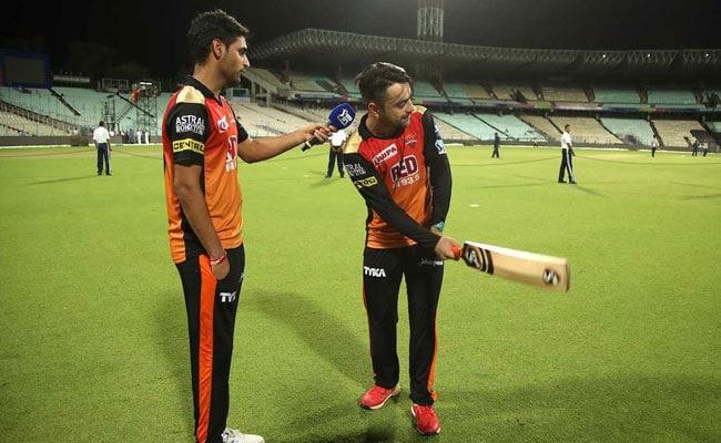IPL 2018 Final, CSK vs SRH: 'कुछ ऐसे' महेंद्र सिंह धोनी रहे हैं भुवनेश्वर कुमार पर हावी, काम करेगी SRH की 'सबसे बड़ी पावर'?