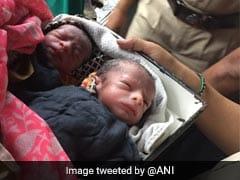 मुंबई के कल्याण में महिला ने ट्रेन के अंदर जुड़वा बच्चों को दिया जन्म...