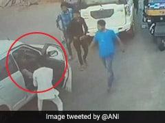 BJP विधायक के बेटे की गुंडागर्दी, ओवरटेक के लिए नहीं मिली जगह तो शख्स को पीटा, देखें वीडियो
