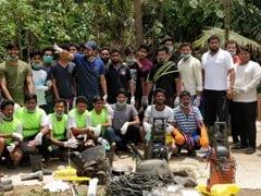 AMU Malappuram Centre Students Take Part In Kerala Flood Relief Campaign