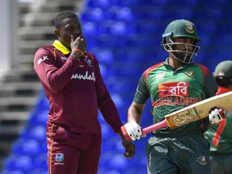 West Indian fast bowler Sheldon Cottrell bowls terrible delivery in Bangladesh ODI