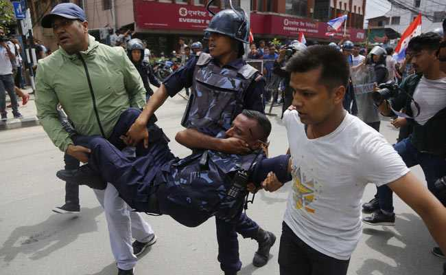 Several Injured In Rally For Fasting Doctor In Nepal