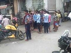 दिल्ली के बुराड़ी में एक ही परिवार के 11 लोगों की रहस्यमयी मौत, जाल से लटके हुये मिले 10 शव