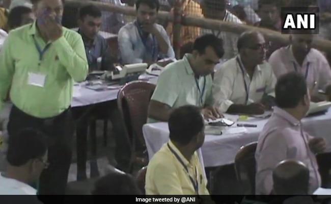 उपचुनाव परिणाम: विपक्ष ने 11 सीटें जीती, भाजपा और उसके सहयोगी तीन सीटों तक ही सीमित