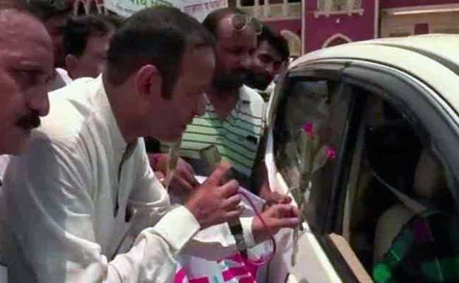 Roses At Railway Station As Kanpur Marks Car-Free Day