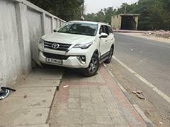 दिल्ली में कार चोरी कर भाग रहे बदमाशों की पुलिस से मुठभेड़, 1 की मौत