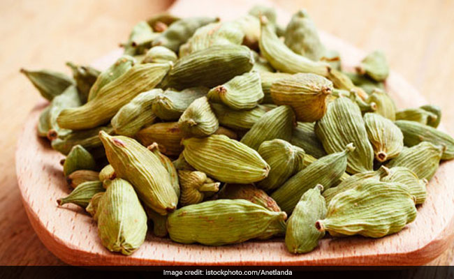 Hypertension: Try Cardamom To Control High Blood Pressure, Here's How It Works