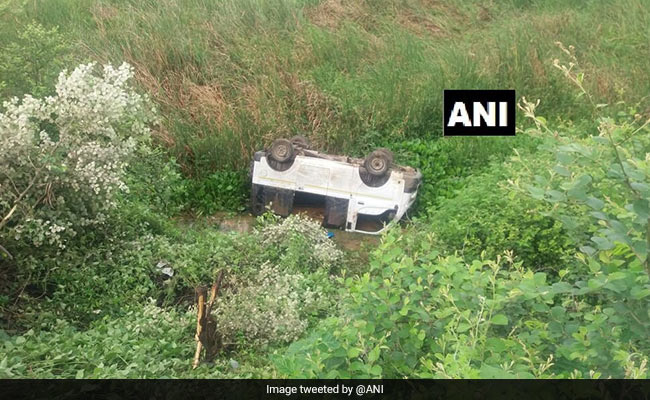 Minibus Carrying Schoolchildren Falls Off Bridge In Chhattisgarh, 15 Hurt