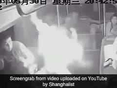 VIDEO: बस के अंदर बैठा था शख्स, बैग से अचानक हो गया धमाका, जानें कैसे