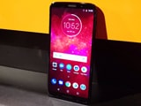 Video: Moto Z3 Play Modular Smartphone First Look