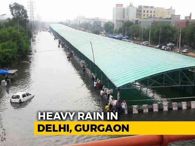 Video : Jams In Gurgaon After Heavy Rain; Stranded For Hours, Many Turn Back
