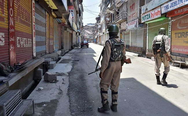 CRPF Paramilitary Patrol Attacked In Jammu And Kashmir's Handwara, Encounter Breaks Out